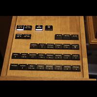 Freiburg, Münster unserer lieben Frau, Ausfahrbare Registerstaffel für die Langhausorgel am Spieltisch der Michaelsorgel