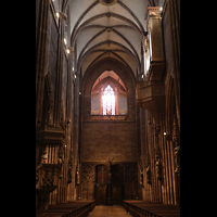 Freiburg, Münster unserer lieben Frau, Blick von der Vierung zur Michaelsorgel und Langhausorgel (rechts)