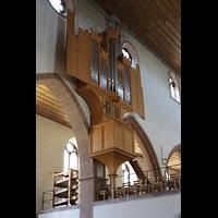 Basel, Predigerkirche (Schwalbennestorgel), Blick vom Chor unten zur Schwalbennestorgel