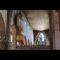 Basel, Predigerkirche (Schwalbennestorgel), Blick vom Lettner auf die beiden Orgeln