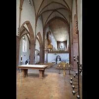 Basel, Predigerkirche (Schwalbennestorgel), Blick vom Chroraum in Richtung Orgel