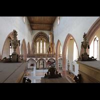 Basel, Predigerkirche (Schwalbennestorgel), Blick über das Rückpositiv in die Kirche