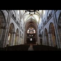 Basel, Münster, Hauptschiff in Richtung Chor