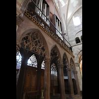 Basel, Münster, Orgelempore mit Stützpfeilern