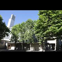 Basel, St. Antonius, Außenansicht vom Kirchhof aus