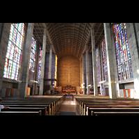 Basel, St. Antonius, Innenraum in Richtung Chor