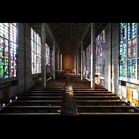 Basel, St. Antonius, Blick von der Orgelempore in die Kirche