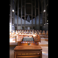 Basel, St. Antonius, Orgel mit Spieltisch