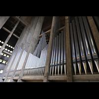 Basel, St. Antonius, Orgelprospekt seitlich
