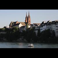 Basel, Münster, Abendlicher Blick über den Rhein zum Münster