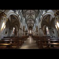 Fribourg (Freiburg), Cathédrale Saint-Nicolas (Hauptorgel), Innenraum in Richtung Chor