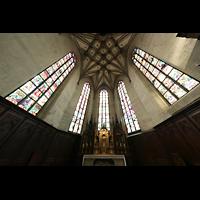 Fribourg (Freiburg), Cathédrale Saint-Nicolas (Hauptorgel), Chorraum mit Hochaltar
