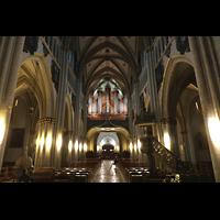 Fribourg (Freiburg), Cathédrale Saint-Nicolas (Hauptorgel), Innenraum in Richtung Hauptorgel