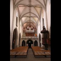 Vevey, Temple Saint-Martin, Innenraum in Richtung Orgel (unbeleuchtet)
