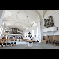 Malters, St. Martin (Chororgel), Blick vom Chorraum auf beide Orgeln