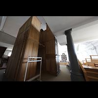 Malters, St. Martin (Chororgel), Orgelgehäuse schräg von hinten mit Blick in die Kirche
