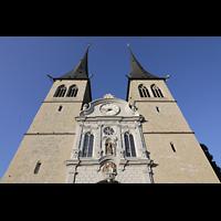 Luzern, Hofkirche St. Leodegar (Große Orgel mit Echowerk), Dopelturmfassade