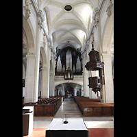 Luzern, Hofkirche St. Leodegar (Große Orgel mit Echowerk), Innenraum in Richtung Orgel