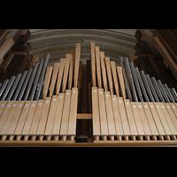 Luzern, Hofkirche St. Leodegar (Große Orgel mit Echowerk), Pfeifenwerk hinter dem geöffneten hinteren Schallgitter