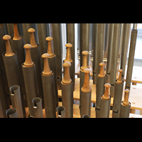 Luzern, Hofkirche St. Leodegar (Große Orgel mit Echowerk), Pfeifen der Gedacktquinte im Echowerk