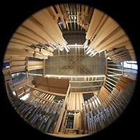 Luzern, Hofkirche St. Leodegar (Große Orgel mit Echowerk), Gesamte Pfeifenkammer des Echowerks von Windladenebene nach oben gesehen