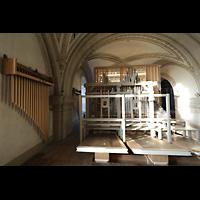 Luzern, Hofkirche St. Leodegar (Große Orgel mit Echowerk), Echowerk mit Sennschellen (Röhrenglocken, links)