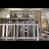 Luzern, Hofkirche St. Leodegar (Große Orgel mit Echowerk), Echowerk, davor der nicht schwellbare Teil der Abteilung 2, unten die Bälge