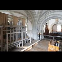 Luzern, Hofkirche St. Leodegar (Große Orgel mit Echowerk), Blick über die links Chorempore ins Hauptschiff, links das Echowerk