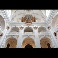 Luzern, Jesuitenkirche St. Franz Xaver (Hauptorgel), Kirchenrückwand mit Orgelempore