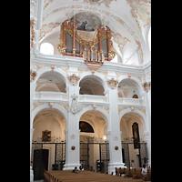 Luzern, Jesuitenkirche St. Franz Xaver (Hauptorgel), Kirchenrückwand mit Orgel seitlich
