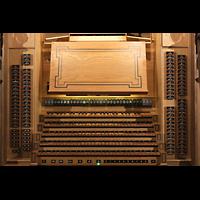 Luzern, Hofkirche St. Leodegar (Große Orgel mit Echowerk), Spieltisch der Hauptorgel
