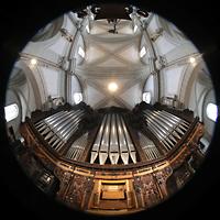Luzern, Hofkirche St. Leodegar (Große Orgel mit Echowerk), Hauptorgel mit Blick ins Gewölbe