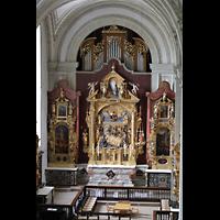 Luzern, Hofkirche St. Leodegar (Große Orgel mit Echowerk), Blick von der Orgelempore zur Walpenorgel