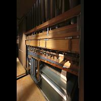 Luzern, Hofkirche St. Leodegar (Große Orgel mit Echowerk), Windversorgung und Teile der mechanischen Traktur der Hauptorgel