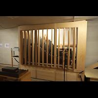 Luzern, Hofkirche St. Leodegar (Große Orgel mit Echowerk), Zweioter Schwellkasten des Fernwerks mit Pfeifen der Clarinette und des Fagott