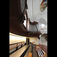 Schwyz, St. Martin, Seitlicher Blick auf den Spieltisch und den Prospekt