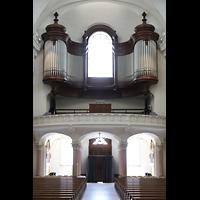 Schwyz, St. Martin, Orgelempore (beleuchtet)