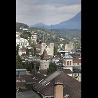 Luzern, Hofkirche St. Leodegar (Große Orgel mit Echowerk), Blick vom Schirmerturm zur Hofkirche (hinten) und Christuskirche (vorne)