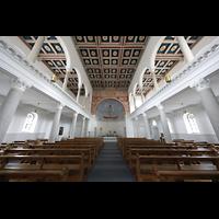 Luzern, CHristkatholische Christuskirche, Innenraum in Richtung Chor