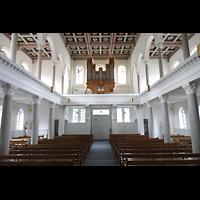 Luzern, CHristkatholische Christuskirche, Innenraum in Richtung Orgel