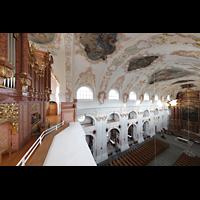 Luzern, Jesuitenkirche St. Franz Xaver (Hauptorgel), Seitlicher Blick von der Orgelempore auf die Orgel und in die Kirche