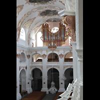 Luzern, Jesuitenkirche St. Franz Xaver (Hauptorgel), Blick vom Triforium im Chor in die Kirche und zur Orgel