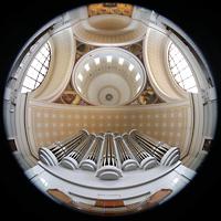 Potsdam, St. Nikolai (Hauptorgel), Blick vom Spieltisch der Hauptorgel in die Kuppel