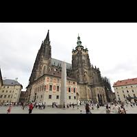 Praha (Prag), Katedrála sv. Víta (St. Veits-Dom), Querhausorgel, Seitenansicht mit barockem Hauptturm