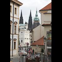 Praha (Prag), Katedrála sv. Víta (St. Veits-Dom), Querhausorgel, Blick von der Hradcanské námestí / Loretánská zum Veitsdom