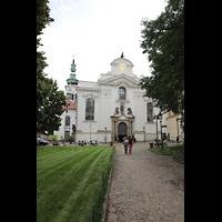 Praha (Prag), Klášter Bazilika Nanebevzetí Panny Marie (Klosterkirche), Hauptorgel, Fassade der Klosterkirche
