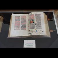 Praha (Prag), Klášter Bazilika Nanebevzetí Panny Marie (Klosterkirche), Hauptorgel, Bibel des Missal von Louka, 1483
