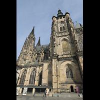 Praha (Prag), Katedrála sv. Víta (St. Veits-Dom), Querhausorgel, Hauptturm mit goldenem Gitter