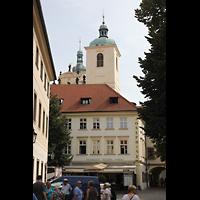 Praha (Prag), Bazilika sv. Jakuba (St. Jakob), Hauptorgel, Ansicht von der Straße Týn