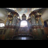 Praha (Prag), Klášter Bazilika Nanebevzetí Panny Marie (Klosterkirche), Hauptorgel, Hauptorgel in der Klosterkirche, Ansicht von der Orgelempore aus